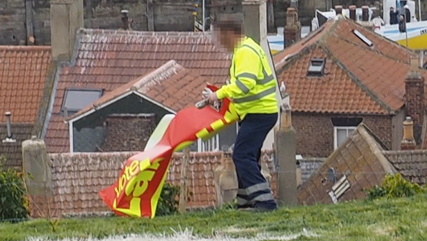 LABOUR_Banner_Removal_CU