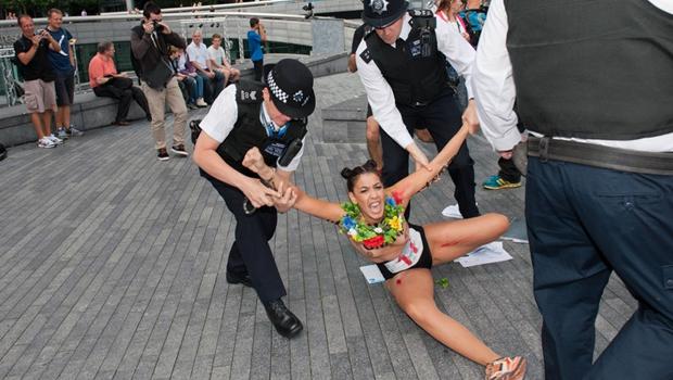 topless_arrest